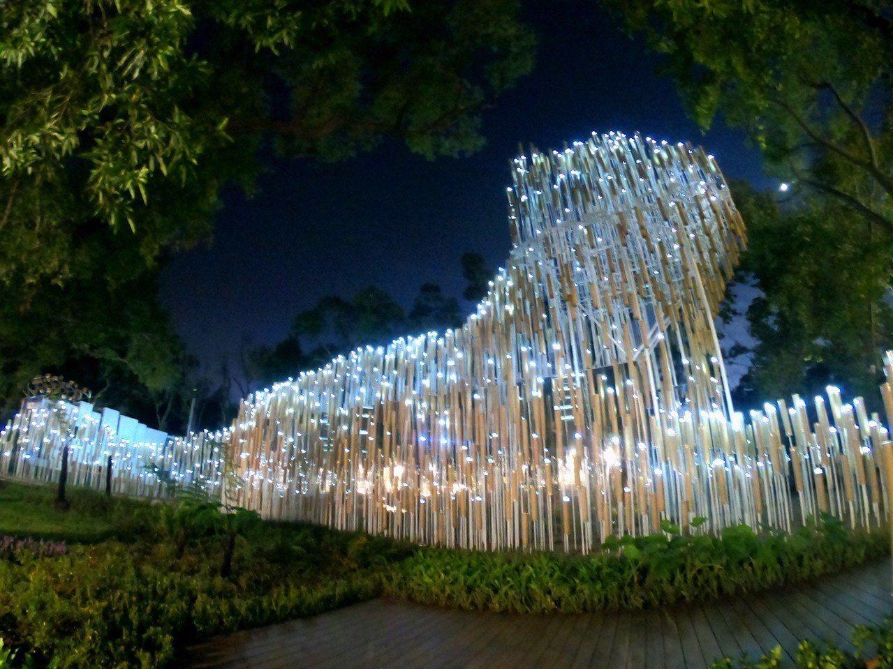 正隆贊助台中花博打造全球首座全紙材裝置藝術館「正隆森隆活虎館」,呈現出台灣原生動...