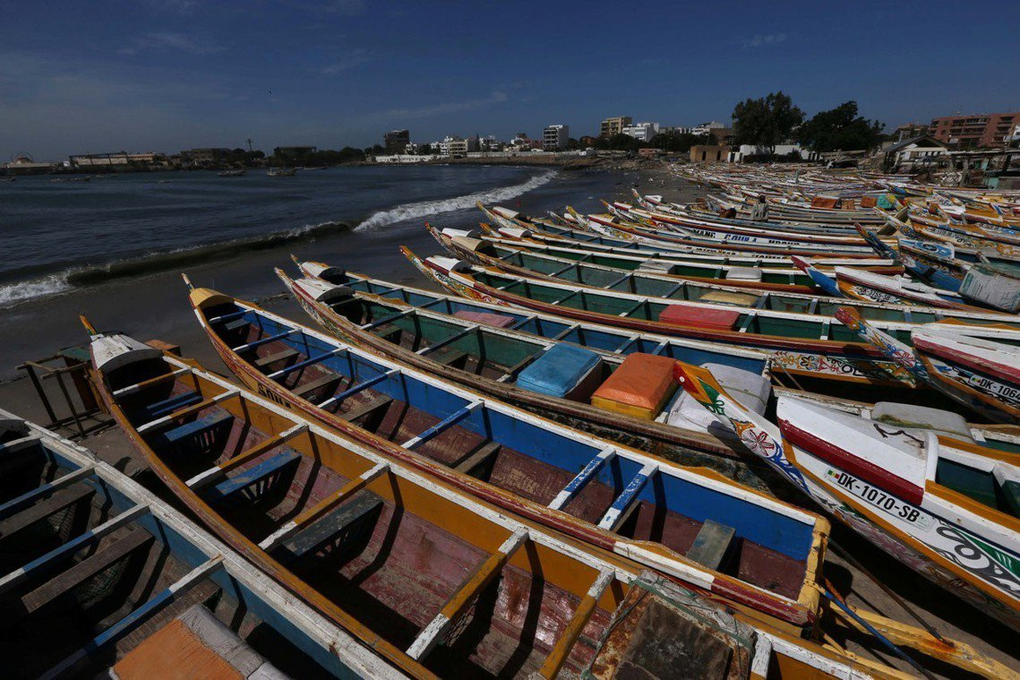 根據《法新社》的調查,塞國有超過1萬艘的傳統漁船,但絕大多數設備簡陋,不僅沒有安...