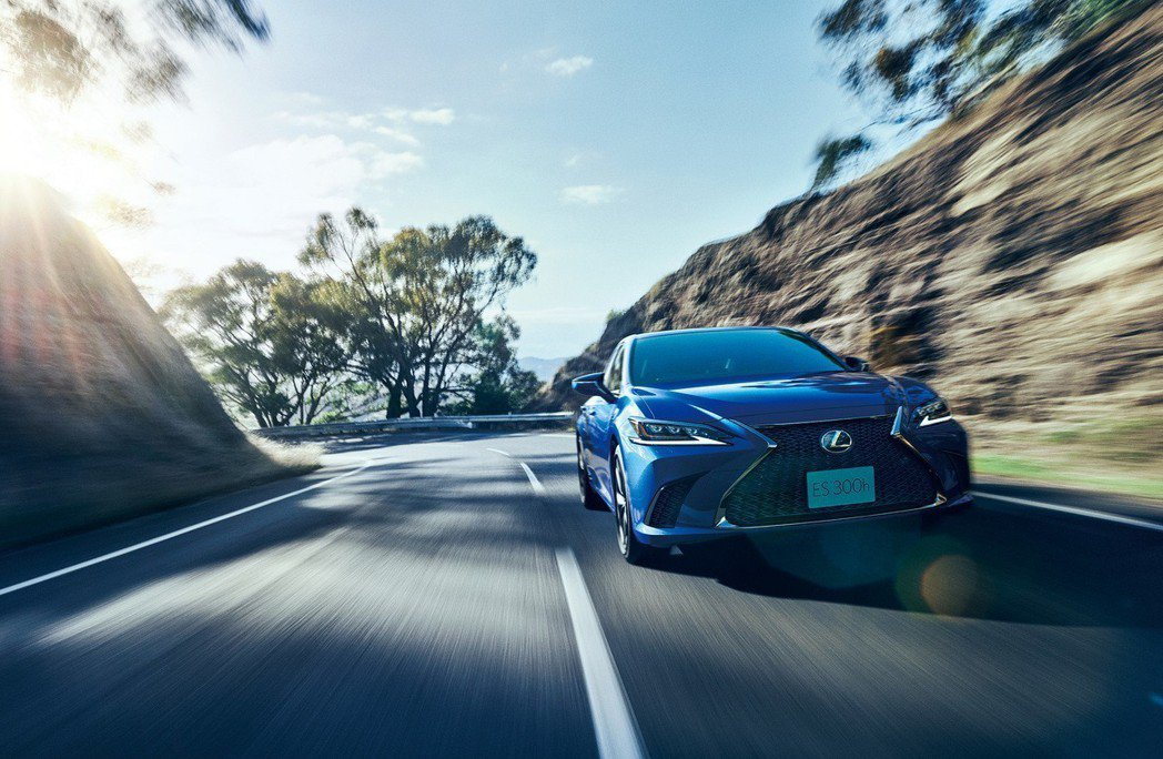 全新日規Lexus ES300h F Sport車型。 摘自Lexus Japa...