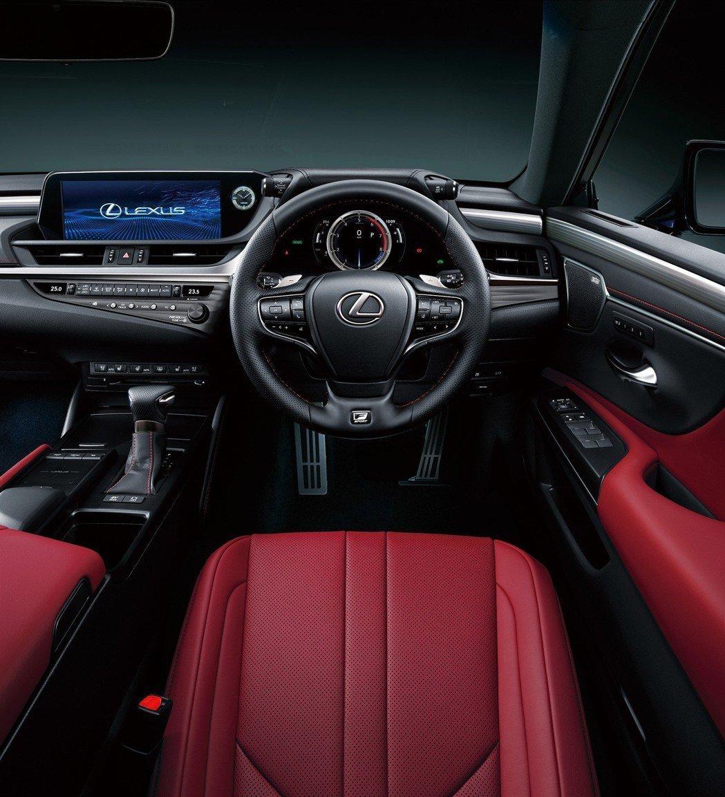 全新日規Lexus ES300h F Sport內裝。 摘自Lexus