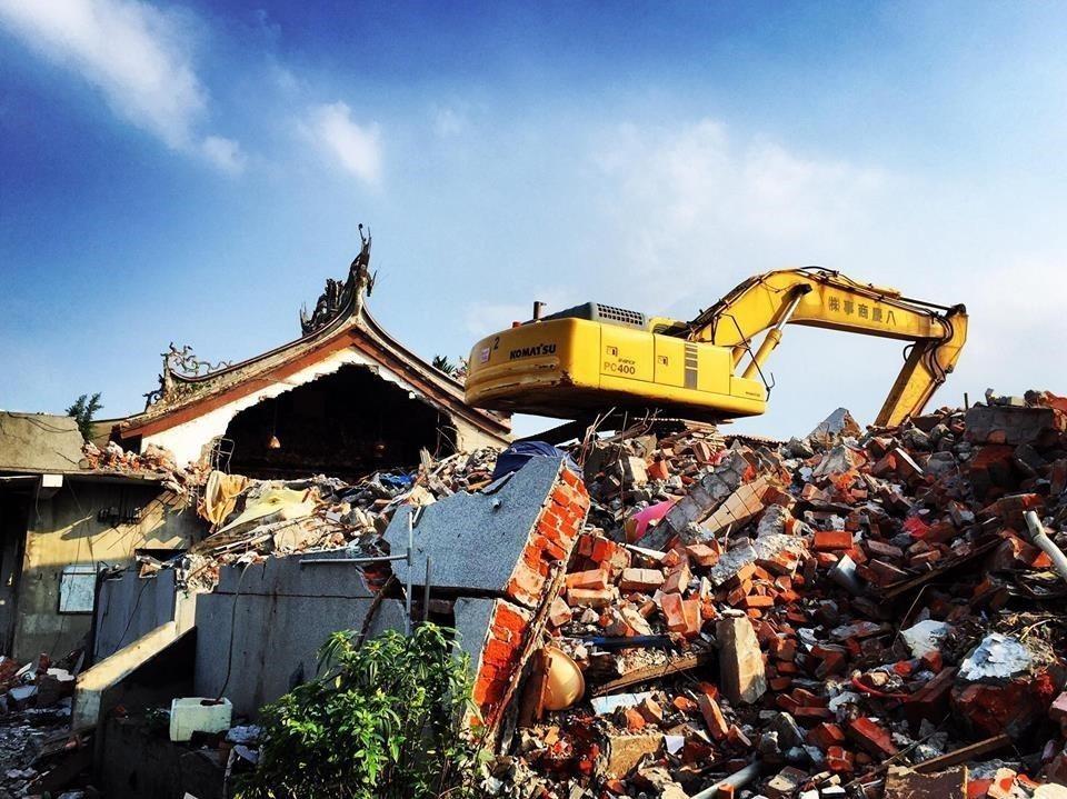 洲美舊三王公廟是當時調查報告中的重要信仰中心,因為區段徵收,如今舊三王公廟已經拆...