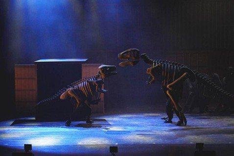 將電影《博物館驚魂夜》幻化成兒童音樂劇的體驗會是如何呢? 今年九月開始安徒生和莫札特的創意(劇場)將帶給全台灣家庭音樂劇,如臨電影真實現場的震撼感!以全齡觀眾為設計的《恐龍復活了》音樂劇一開場,在全...