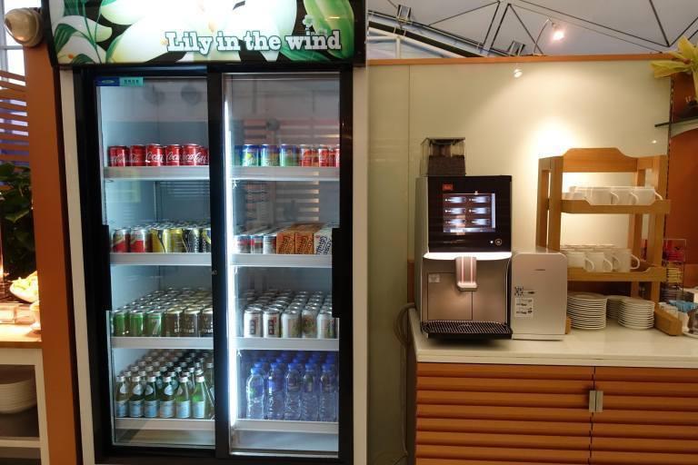 咖啡機與冷飲區 圖文來自於:TripPlus