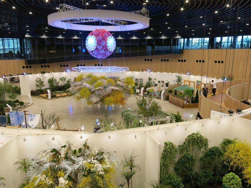后里馬場園區花舞館內部首次對外亮相,千姿百態的台灣蘭花大圓小圓一次性展出。記者黑中亮/攝影