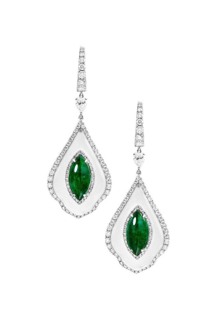 2.95/2.96克拉Vivid Green未泡油祖母綠耳環,巡展價68萬元。圖...