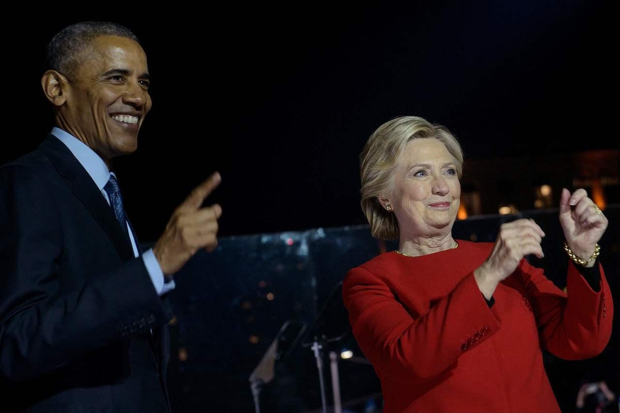 美國秘勤局攔下數件內藏爆裂裝置的可疑包裹,收件人包括前總統歐巴馬(左)和前國務卿...