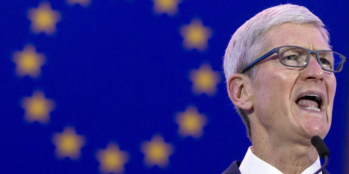 庫克24日在布魯塞爾發表演說。美聯社