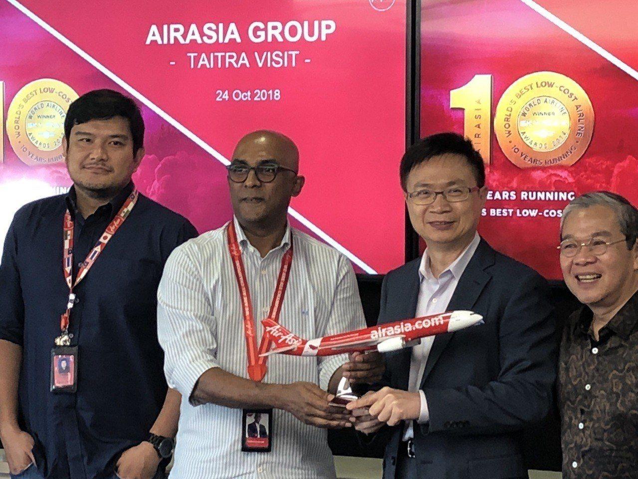 外貿協會董事長黃志芳昨(24)日於吉隆坡拜訪馬來西亞亞洲航空(AirAsia)集...