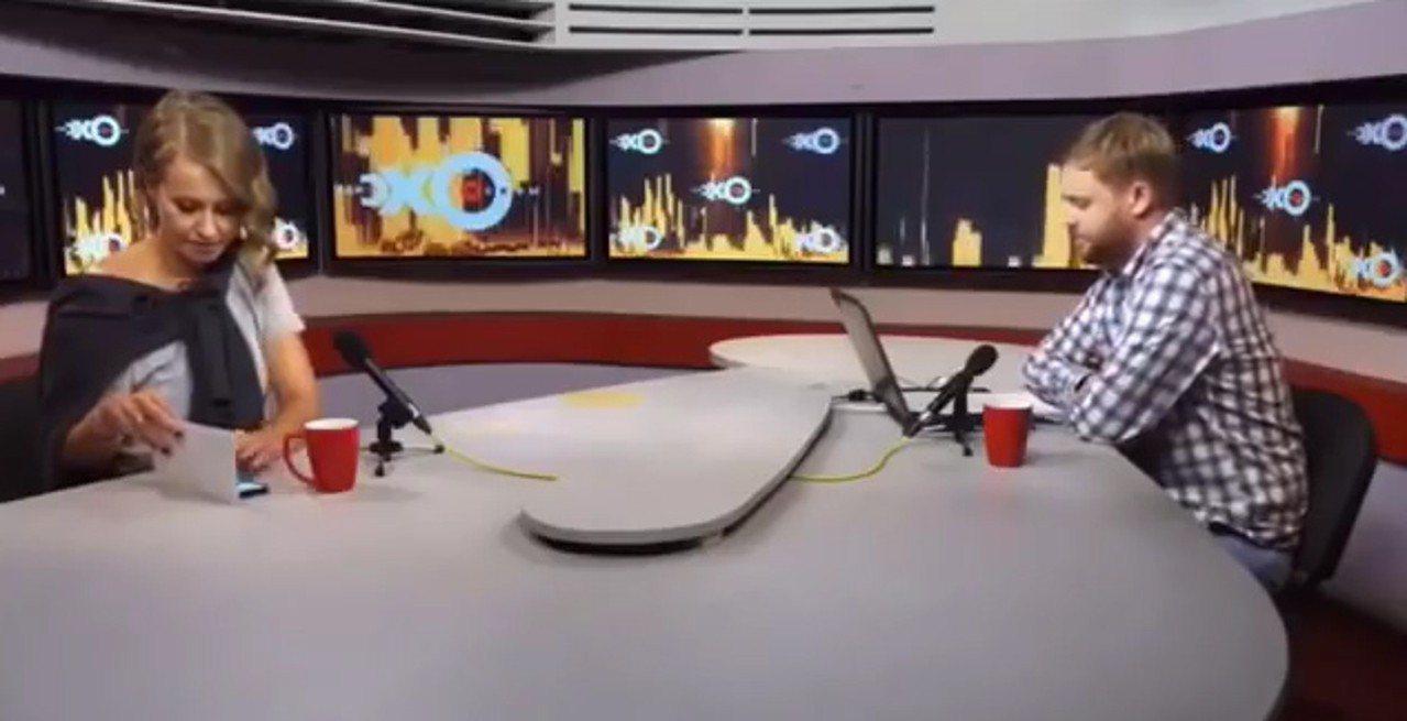 三星手機俄羅斯品牌大使在電視節目中被瞄見使用iPhone X。(圖/網路照片)
