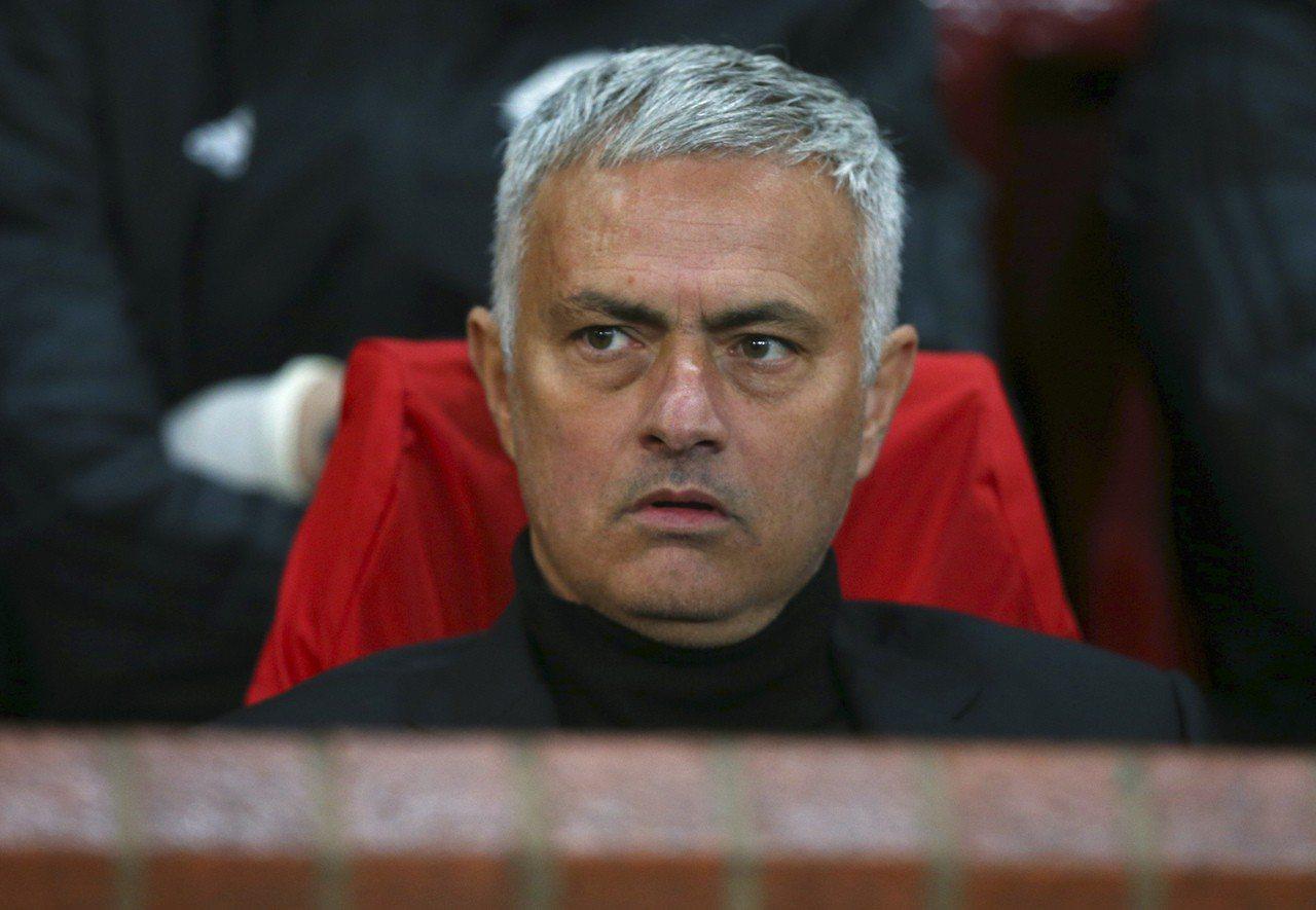 「紅魔」主帥穆里尼奧(Jose Mourinho)承認,如今的曼聯已比過去衰落很...