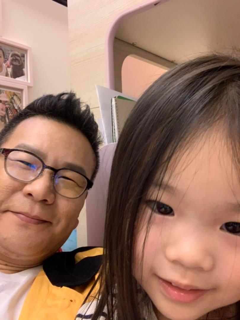 沈玉琳與女兒。 圖/擷自沈玉琳臉書