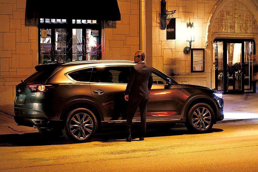 日本Mazda宣布新年式CX-8即日起開放預購,並訂於11月29日正式發表。 圖...
