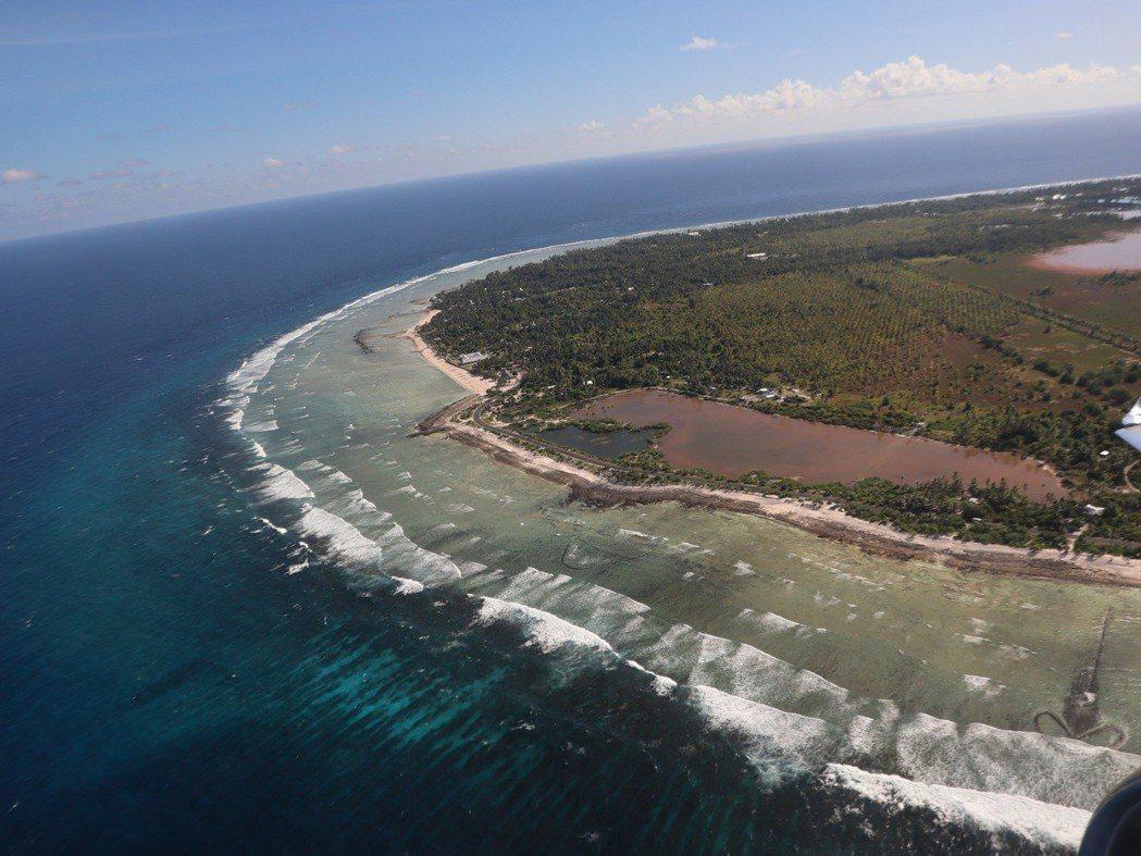 猶如南太平洋中一串珍珠的吉里巴斯。 圖片提供/馬偕紀念醫院