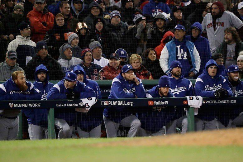 波士頓現在天氣又冷又濕,道奇球員不論投打都不太適應在這樣的狀況下打球。 美聯社