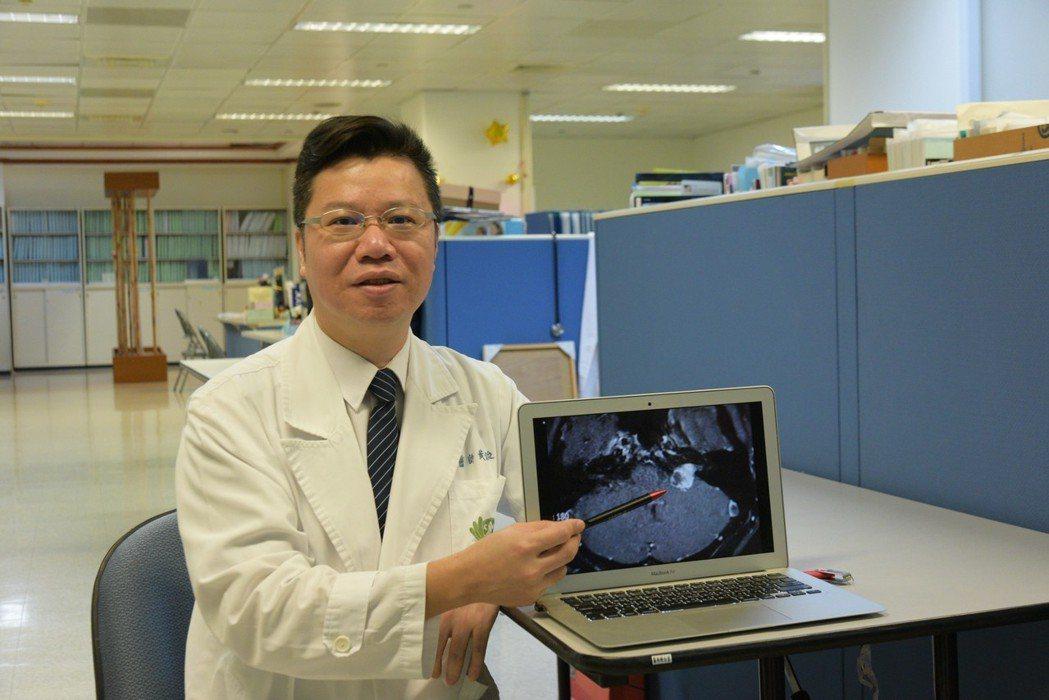 耳鼻喉科暨聽語中心主任黃俊豪領導的團隊,以台灣健保資料庫進行分析,追蹤12年後發...
