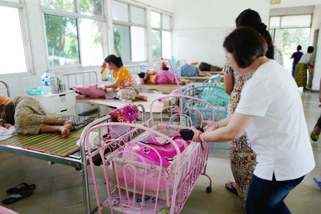 衛生福利部桃園醫院過去多次至緬甸農友種苗農民醫院協助義診,在地醫療資源仍然有進步...