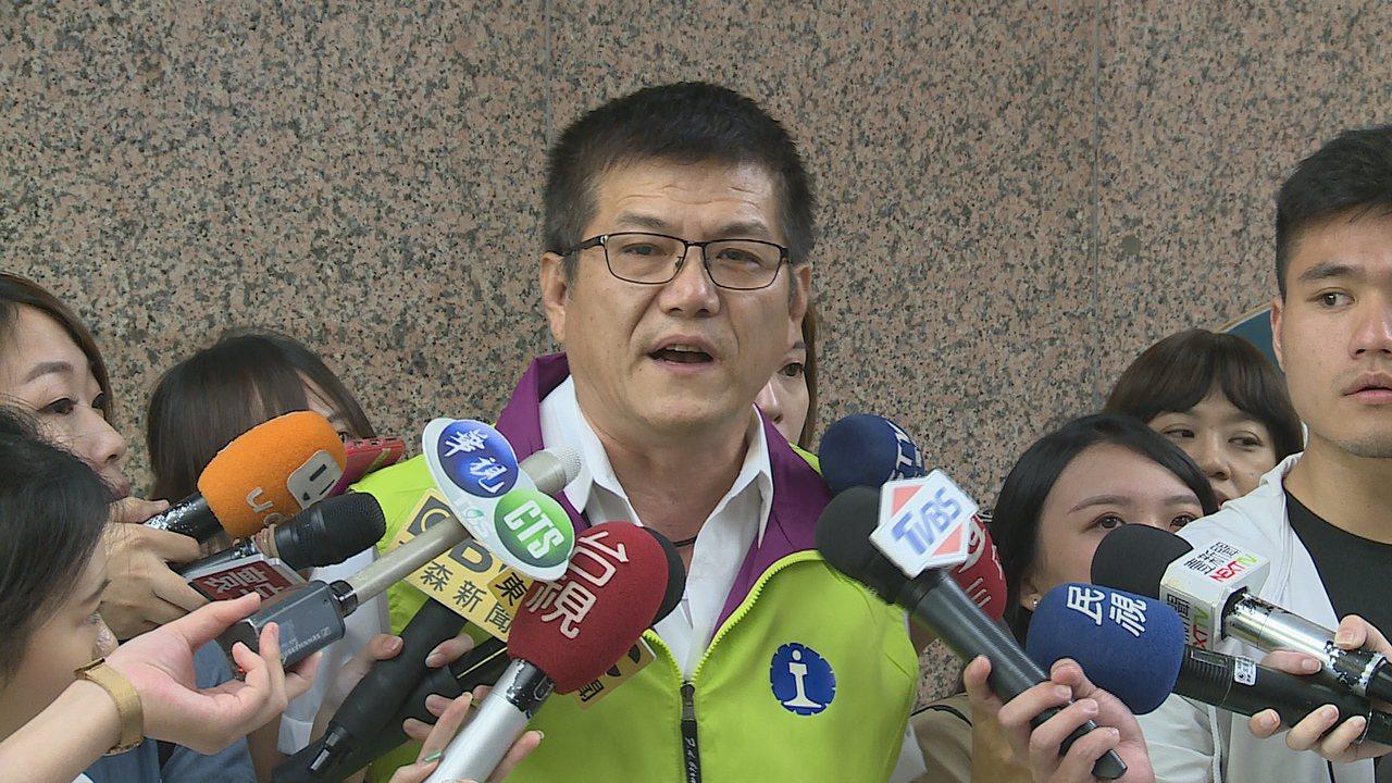台鐵資深駕駛員吳長智表示,從通聯紀錄可以清楚看到,司機的確有通報關閉ATP。記者...