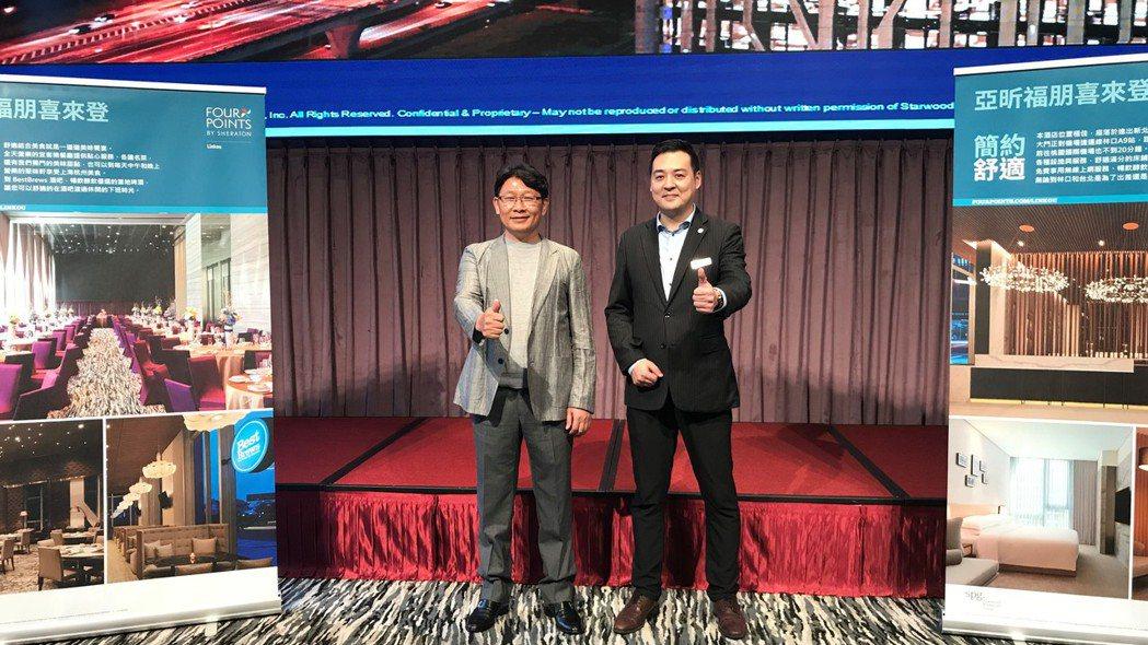 左為亞昕建設董事長姚連地。 記者游智文/攝影