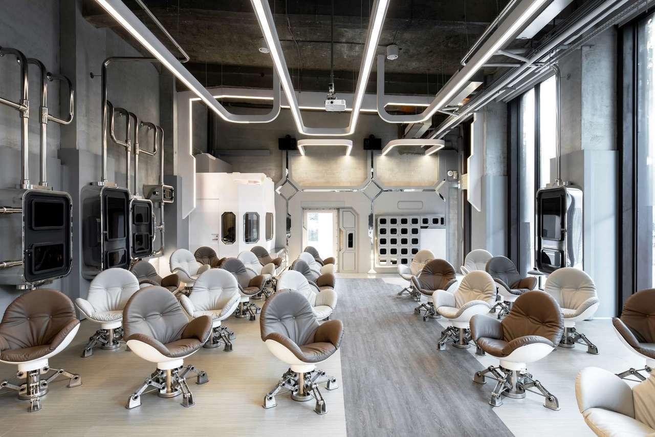 「VR體感劇院」360影廳專屬「蛋椅」。圖/高雄市電影館提供