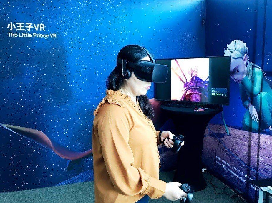 「小王子VR」需要和小王子、小狐狸等熟悉的角色,齊心協力破解任務,才能完成整部電...