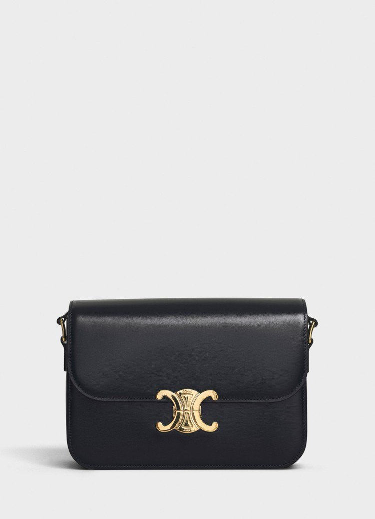 Triomphe黝黑色光滑小牛皮中型肩背包,售價11萬5,000元。圖/CELI...