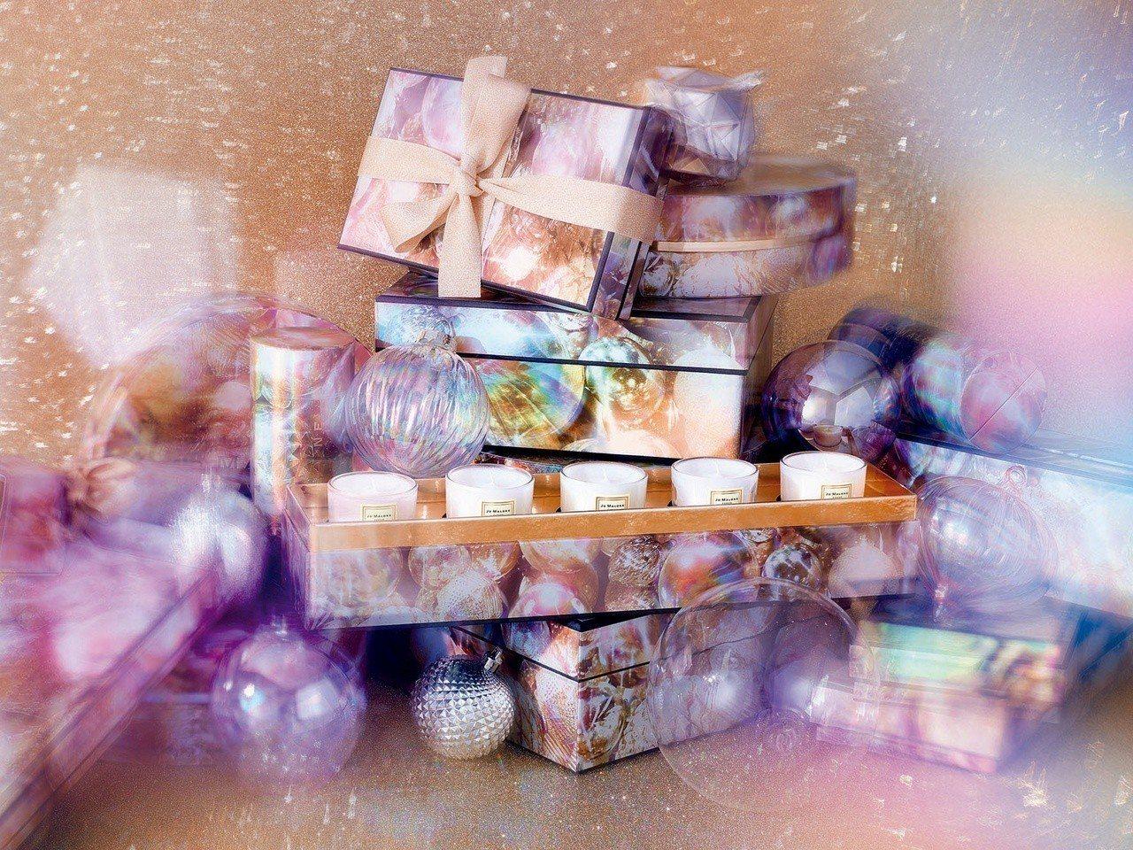 Jo Malone耶誕霓彩狂歡迷你香氛蠟燭禮盒,售價4,200元。圖/Jo Ma...