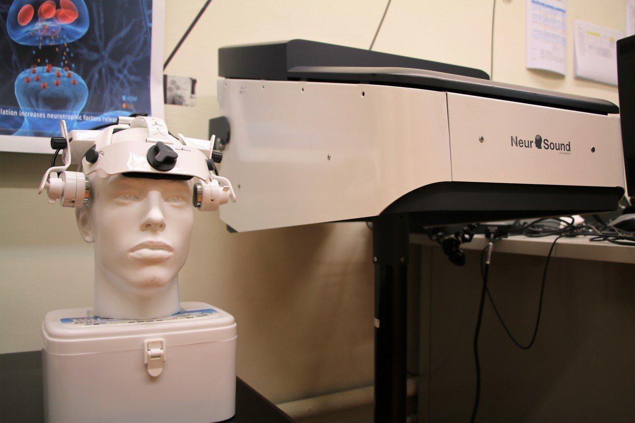 穿顱超音波刺激技術由台灣率先研發,但日本已超越台灣搶先進行人體試驗。 圖/陽明大...
