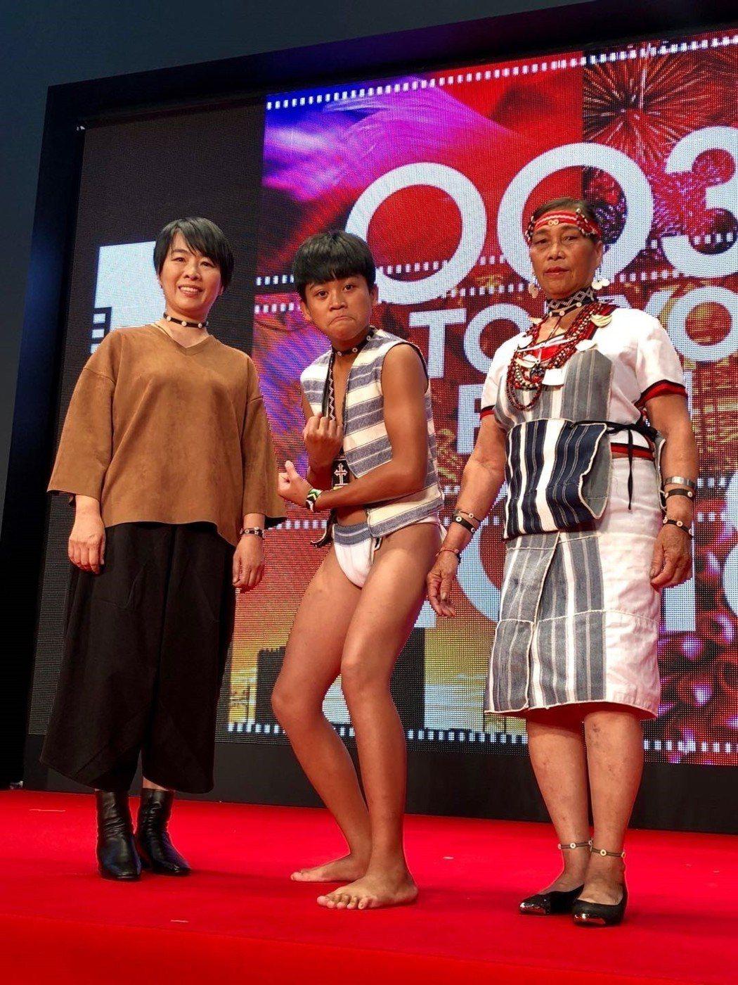 崔永徽(左起)、鍾家駿、李鳳英前往東京出席影展活動。圖/海鵬提供