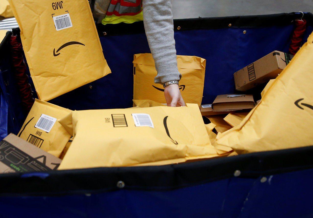 郵件炸彈威脅現象拷問美國政壇尖酸刻薄的政治語言。 路透