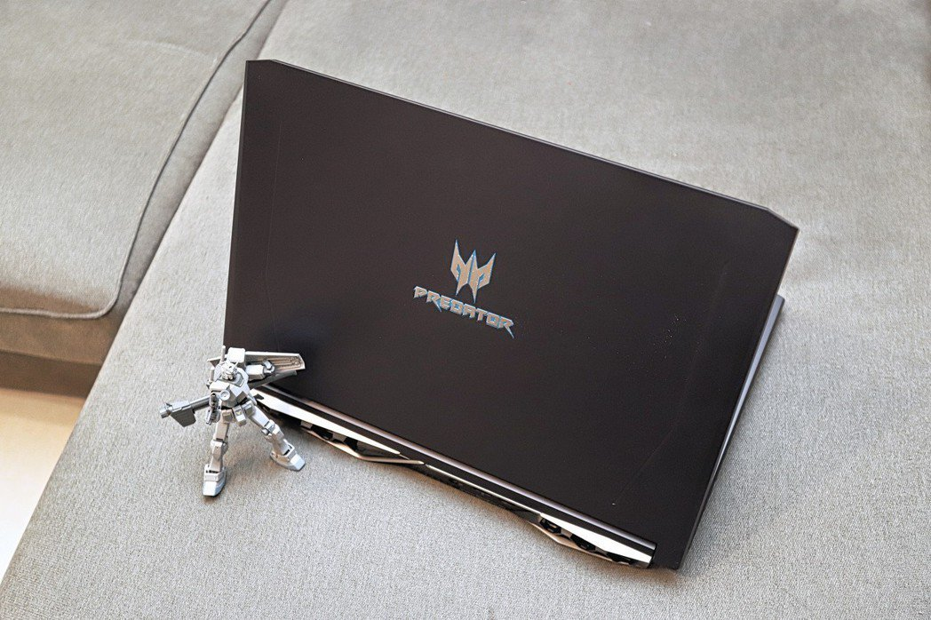Predator Helios 500為宏碁電競筆電的效能王者。 彭子豪/攝...