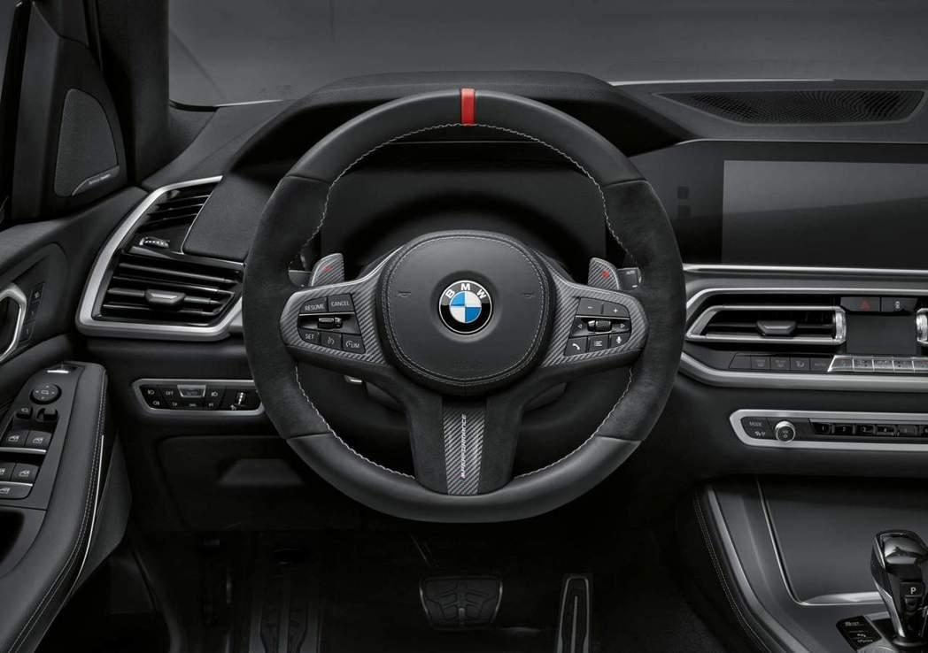 新世代BMW X5 M Performance套件:內裝部份,採用Alcanta...
