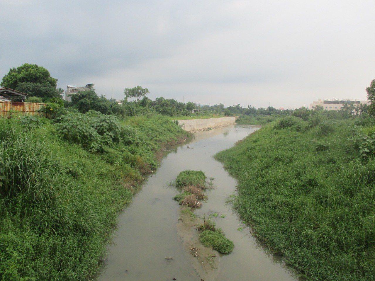 虎尾溪帝溪橋上游未改善前。圖/台南市水利局提供
