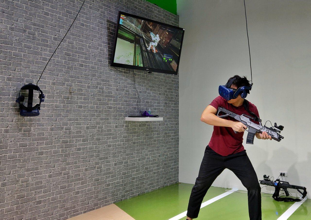場內提供的遊戲種類相當多元,包含射擊、競速、運動、益智、驚悚等。圖/HTC提供
