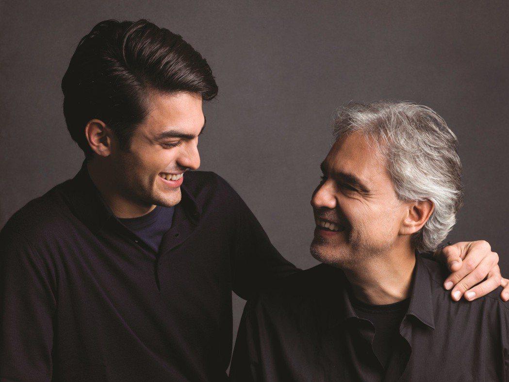 安德烈波伽利與兒子馬提歐在新專輯「Sì/真好」對唱。圖/環球音樂提供