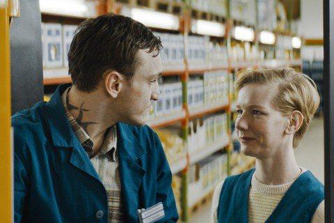 今年於柏林影展獲得最高榮譽金熊獎提名、並勇奪人道精神獎與柏林藝術戲院聯盟獎的「賣場華爾滋」(In the Aisles)即將於金馬影展搶先展映,由「顛父人生」影后桑德拉惠勒(Sandra Hülle...