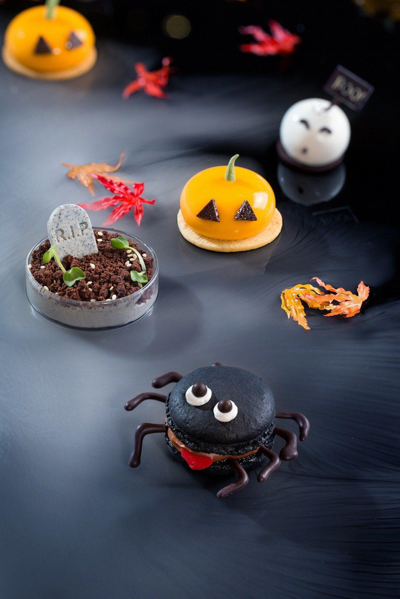 手工親製暗黑蜘蛛馬卡龍,特別用巧克力製成8隻腳,放入馬卡龍夾層。圖/台北君悅酒店...