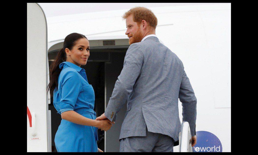 哈利王子與梅根被傳明年4月迎接小寶寶誕生。(美聯社)