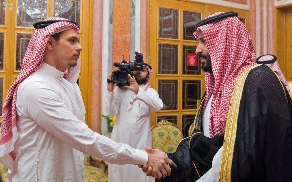 沙國允許哈紹吉兒子薩拉赫(Salah bin Jamal Khashoggi)和...