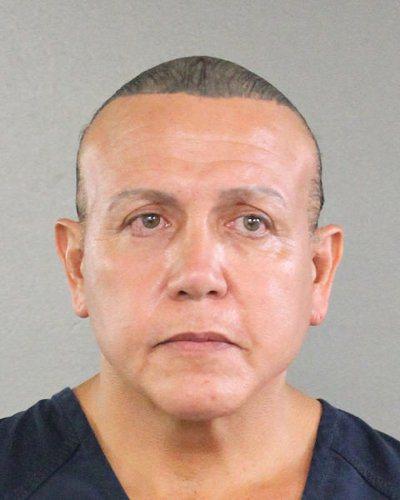 聯邦調查局(FBI)幹員當天在佛州逮捕一名前科累累的川普總統支持者謝亞克(Ces...