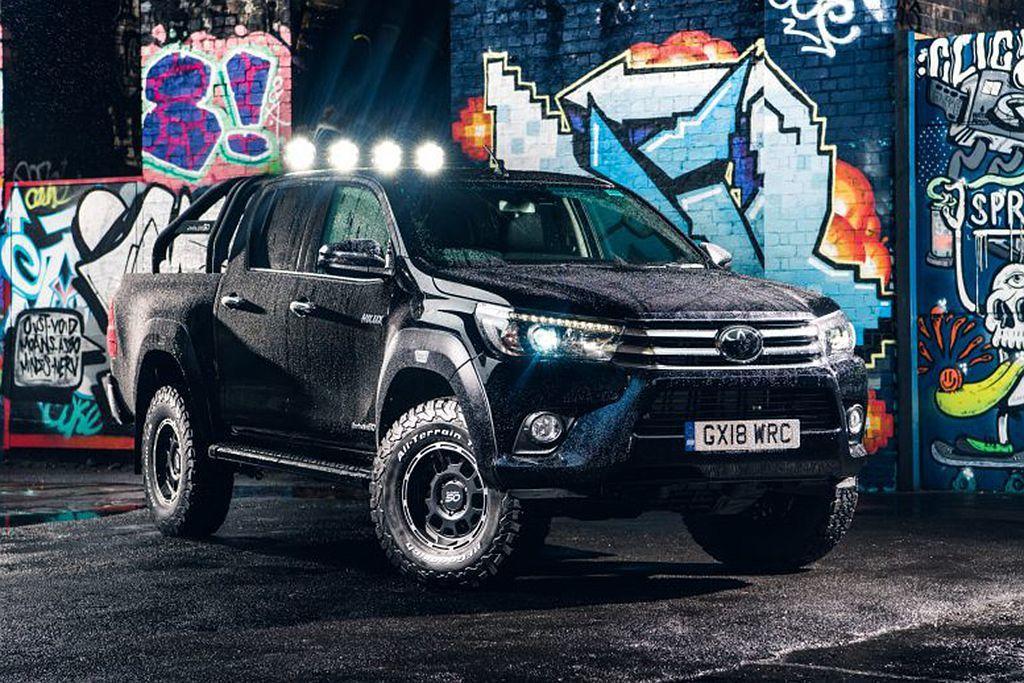 Toyota Hilux車系今年正逢問世50週年,自去年起就推出許多特仕車,日前再追加Hilux Invincible 50 Limited Edition限量版。 圖/Toyota提供