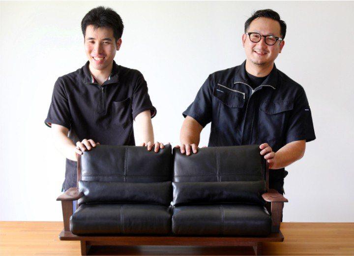 參與大川市公所計畫,製造貓家具的職人。圖/擷自大川家具網站