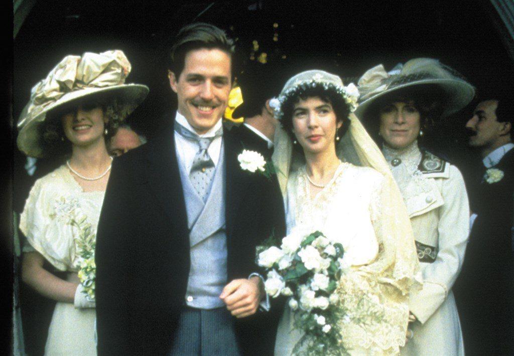 休葛蘭在「墨利斯的情人」雖然愛男性卻仍走上結婚、生子的傳統道路。圖/摘自imdb