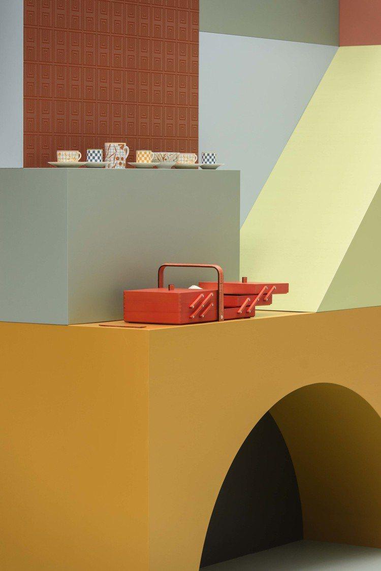 DROIT FIL紅椒色楓木絲巾盒。圖/愛馬仕提供