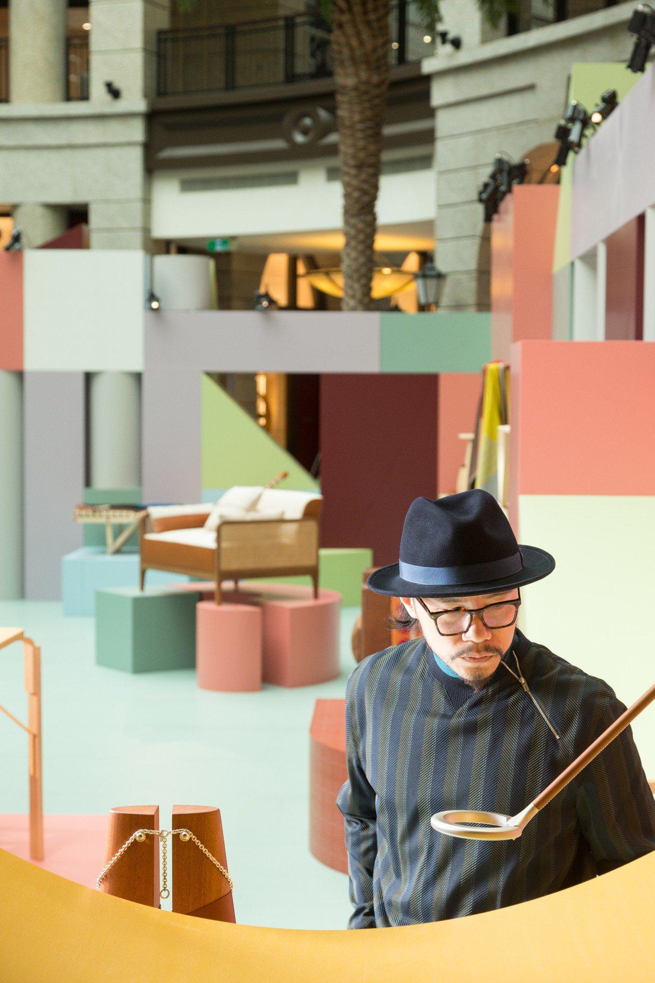 設計師方序中參觀愛馬仕空間之間家居藝術裝置展。記者陳立凱/攝影