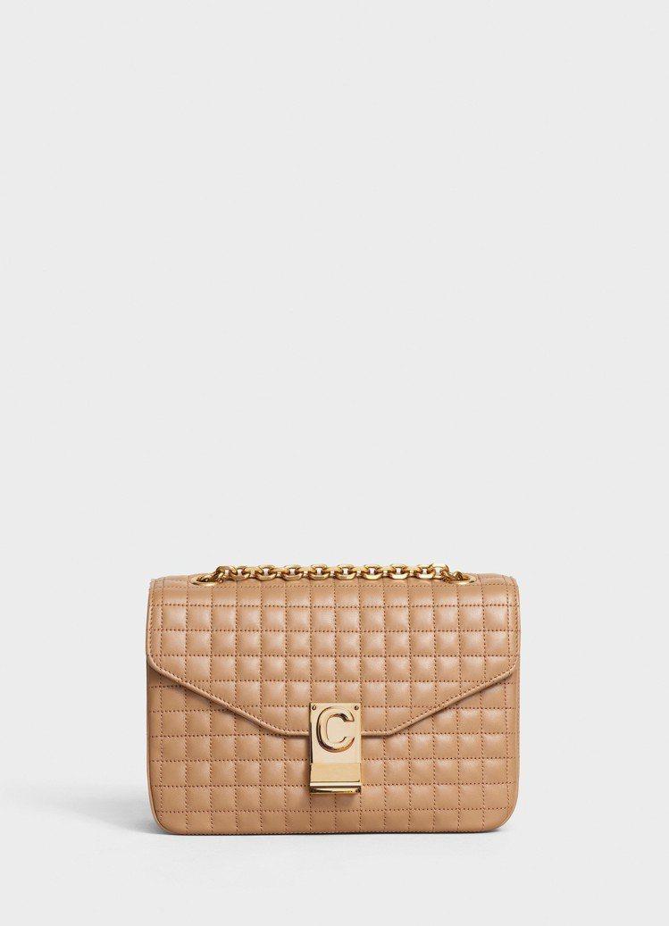C Bag淡駝色格紋襯芯小牛皮中型鍊帶包,售價99,000元。圖/CELINE提...