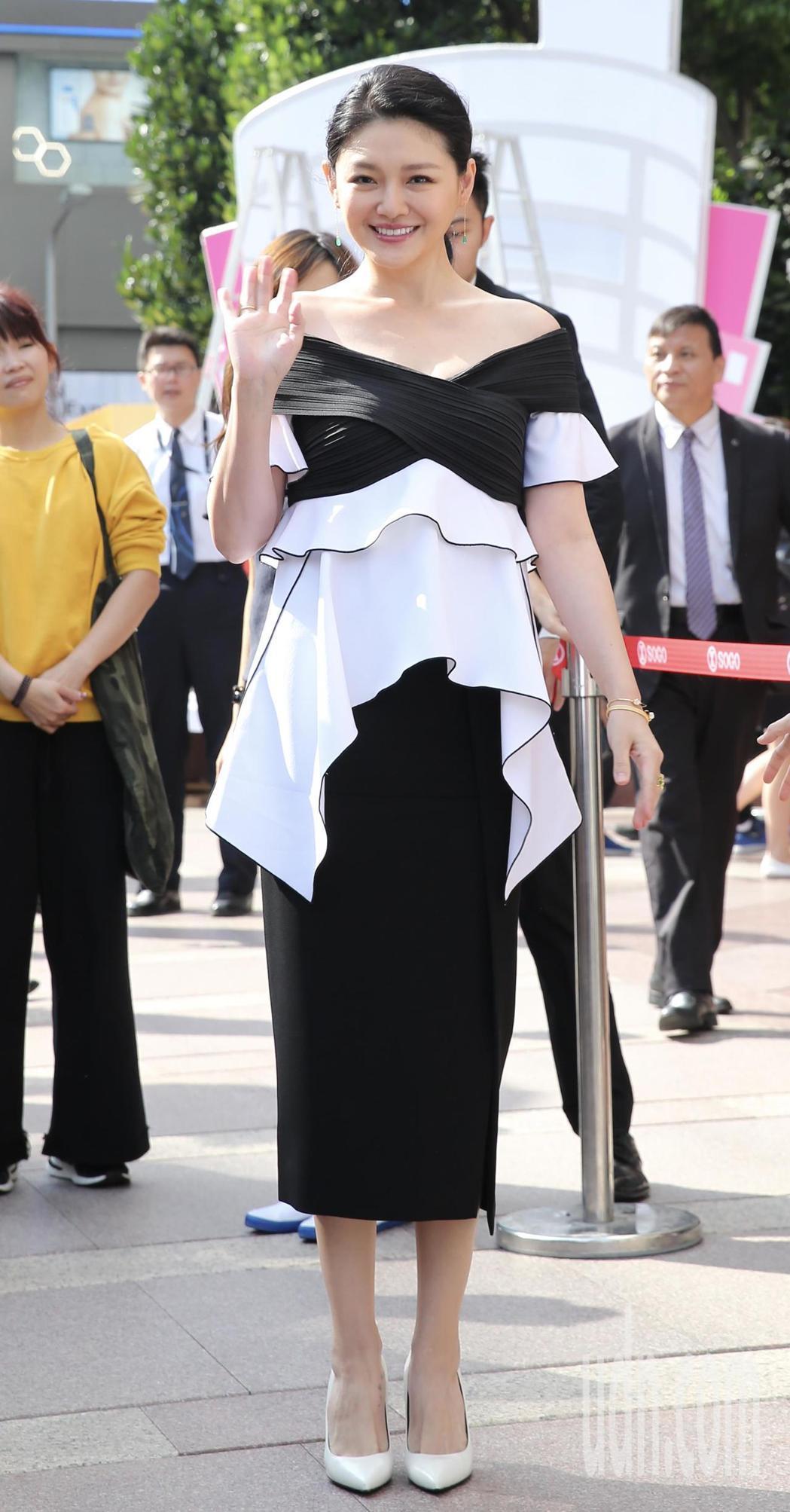 藝人大S下午出席SOGO百貨前活動,代言保養品牌。記者許正宏/攝影