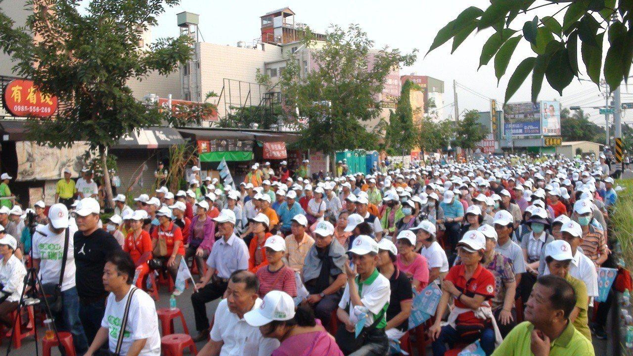 江瑞鴻下午成立三里後援會,現場湧入上千支持者 。記者王昭月/攝影