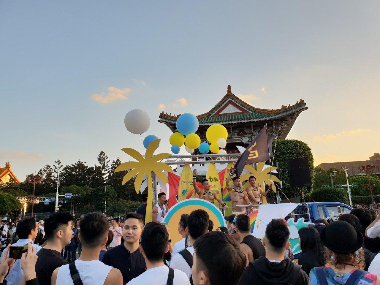 2018台灣同志遊行今天於凱道登場,寫下13萬7千人上街的新紀錄。記者陳宛茜/攝...