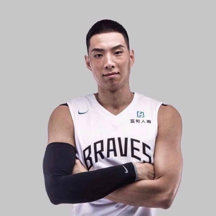 鍾秀鼐曾是富邦勇士隊擔任先發前鋒球員。圖/摘自臉書