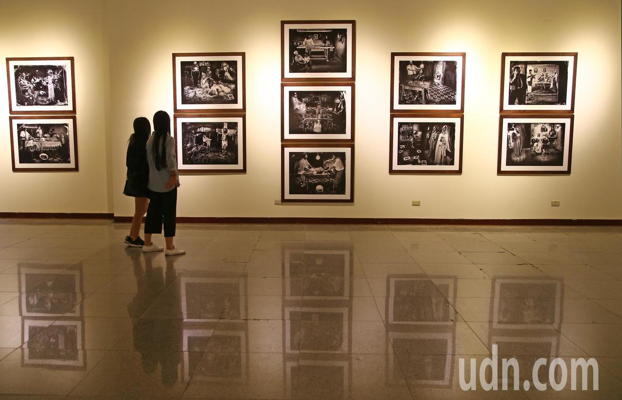 2018台北國際攝影展從10月18號到10月31號,讓觀者回溯攝影的各種可能性及...